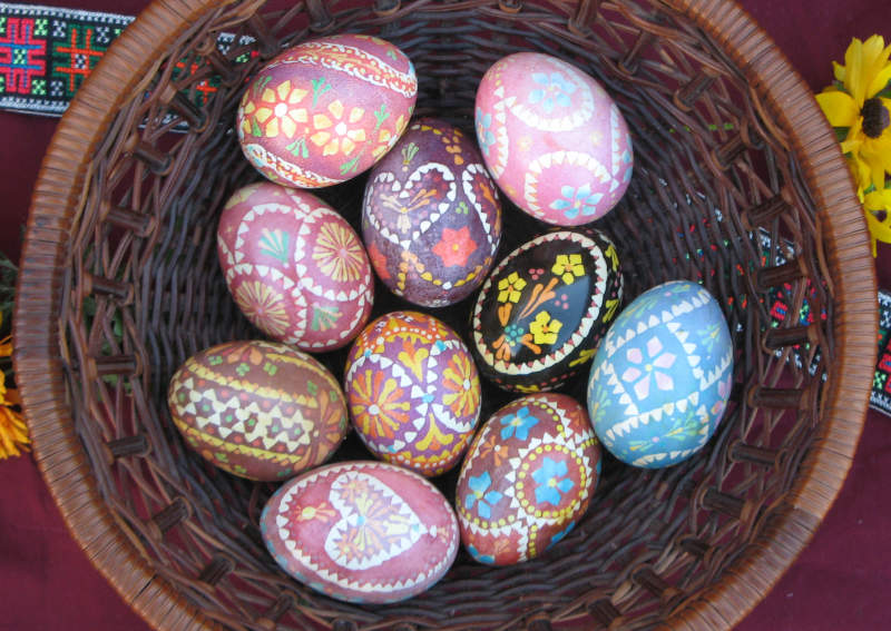 basket of Wendish eggs, book chapter