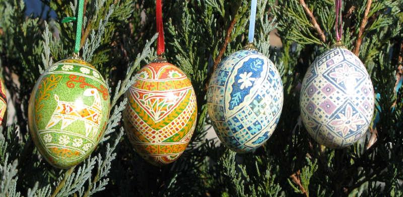 4 hanging eggs Ukrainian style